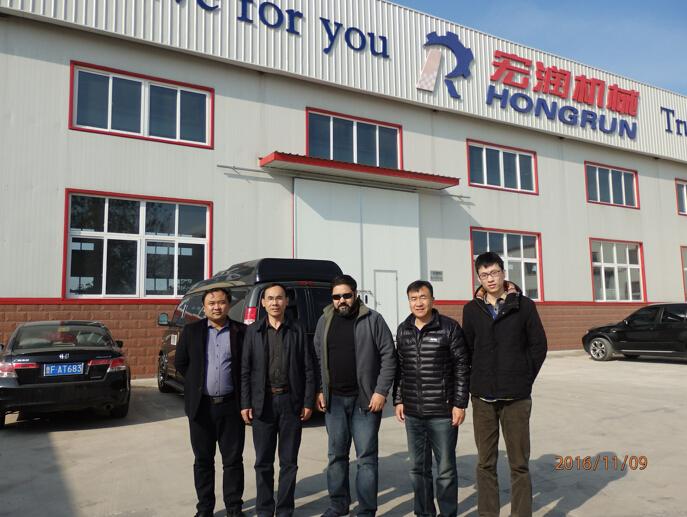 阿尔及利亚客户订购HR-2000系列蛋托生产线